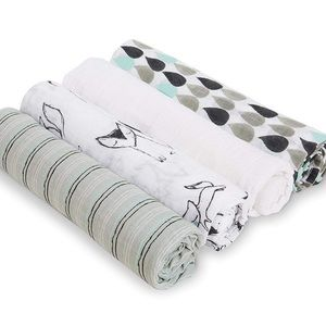 Aden + Anais Trotting Fox 4-Pack Swaddle Set